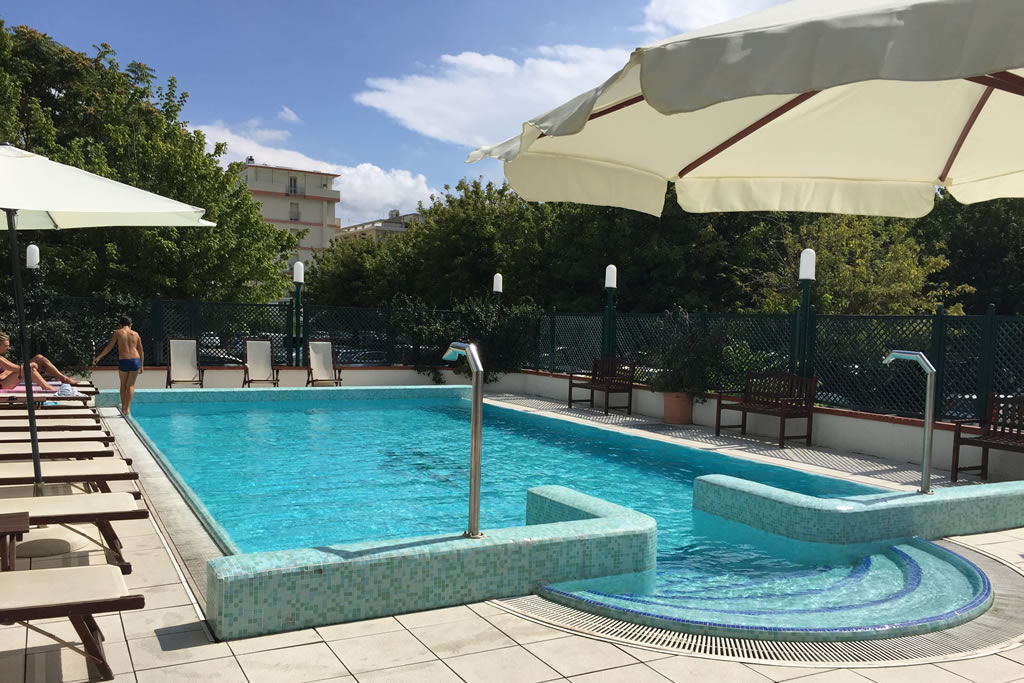 Hotel 3 stelle con piscina a rivazzurra di rimini - Hotel rivazzurra con piscina ...